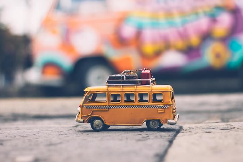Bus mit Gepäck